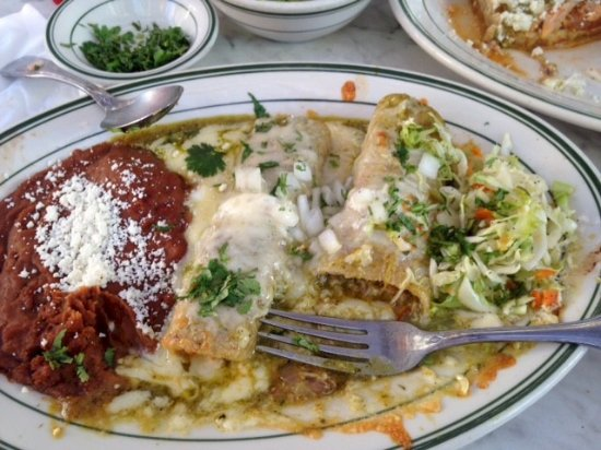 Boyes Hot Springs, Californien: chicken enchilada