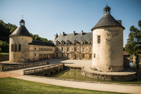 Bussy-le-Grand, France : Chateau