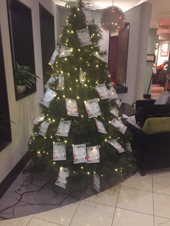 Tyrrelstown, Irland: Christmas in September in the Carlton ! A little too soon ?