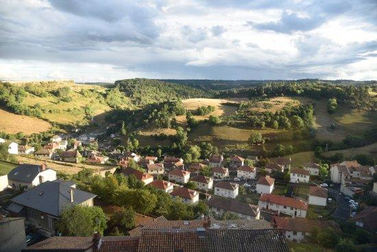 Saint-Flour, Francia: La vue depuis la salle à manger.