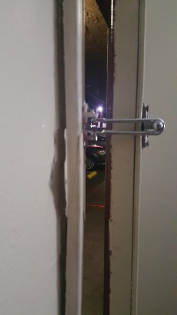 Red Roof Inn San Antonio - Lackland: DOOR FRAME COMING AWAY FROM THE WALL VERY & DOOR FRAME COMING AWAY FROM THE WALL VERY INSECURE - Picture of ... Pezcame.Com