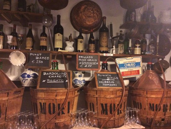 Venice Urban Adventures: The interior of one of the stops on the tour - Cantina do Mori