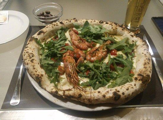 450 food drink pizza del giorno bianca con fiordilatte pomodorini rucola