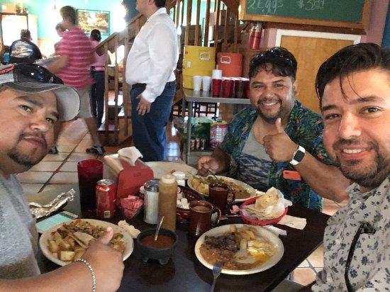 San Juan: Desayunando en Port Aransas...Tator, Puma, Dr.