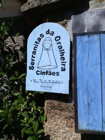 Cinfaes, Portugal: Loja de artesanato (Um primor)