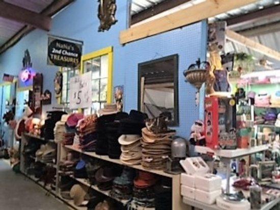 Mount Dora, Flórida: Cowboy hats $5!