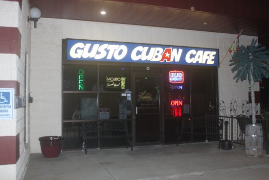 Gusto Cuban Cafe: The front of Gusto's