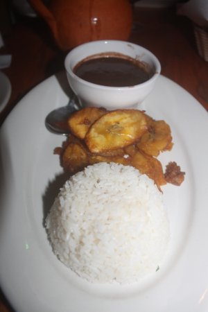 Gusto Cuban Cafe: Black beans & rice, fried plantains