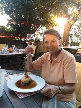 Suze-la-Rousse, France : Lamb cottage pie with a Cote-du-Rhone Rosé