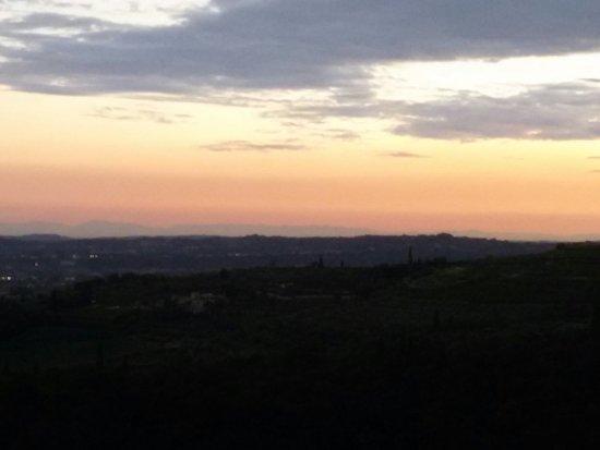 Fumane, Italia: Vista dalla chiesa...