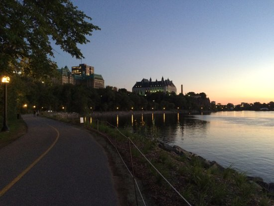 Ottawa, Canada: Lovely sunset behind the Supreme Court building.