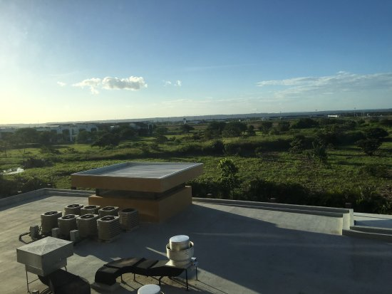 Hilton Garden Inn Liberia Airport: Lovely afternoon view from room 325