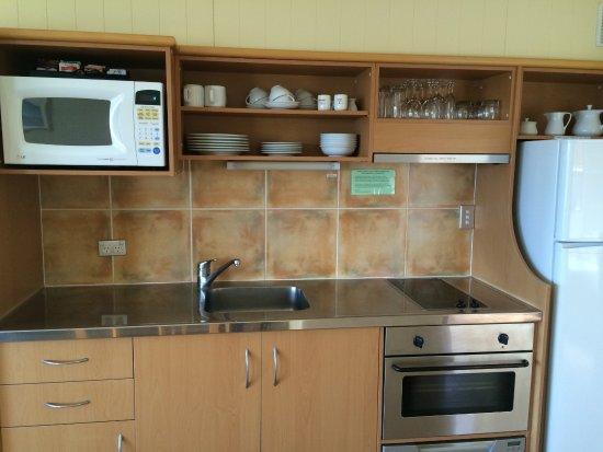 Hahei Holiday Resort: Villa Kitchen