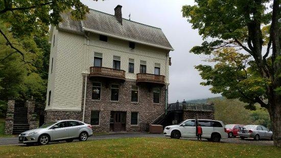 Claryville, NY: Forstmann Castle