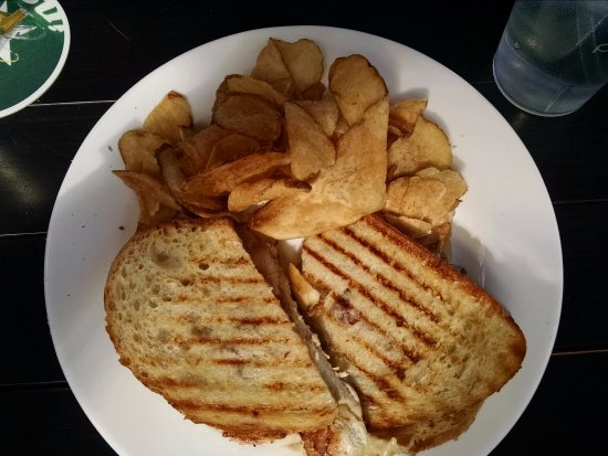 Northwood, NH: chicken melt and homemade chips