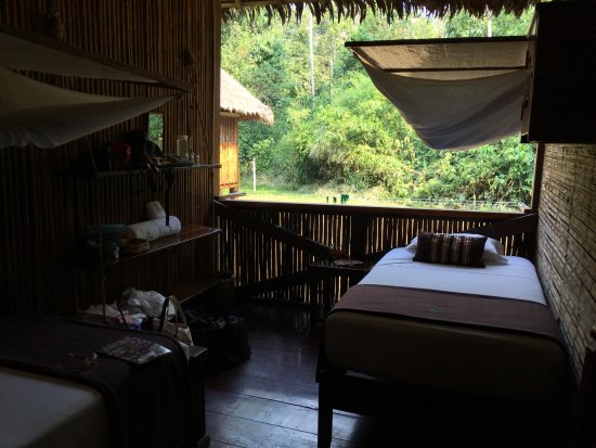 Tambopata Research Center: Open air bedroom with mosquito nets. Sleeping was good.