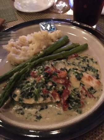 Cherry Valley, NY: Tuscan Chicken, this meal was actually OK. (Though the mashed potatoes were not).