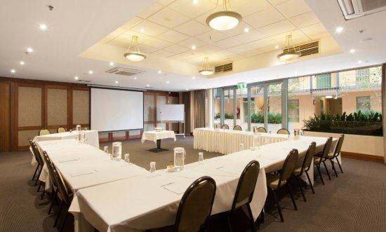 Melbourne Metropole Central: Meetings and event space for up to 180 delegates