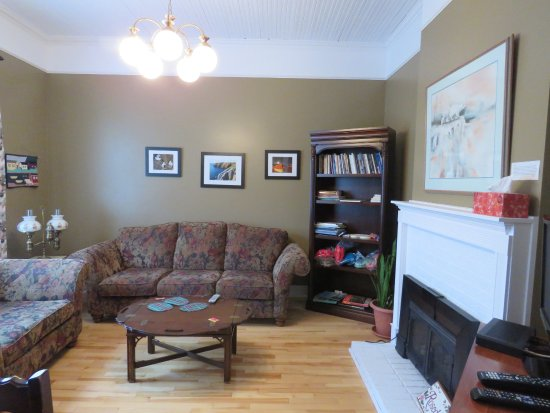 Placentia, Canadá: Common Living Room at Rosedale