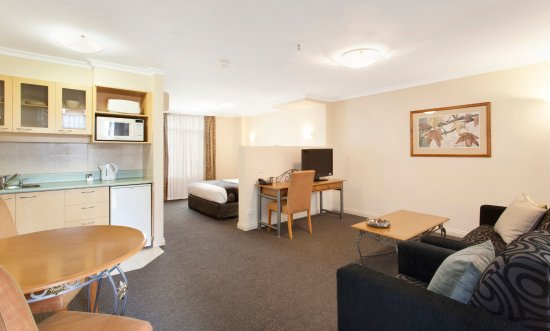 Melbourne Metropole Central: Studio and Junior Suites are available