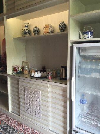 Wichit, Tailandia: มุมกาแฟฟรีและขนม มีแค่นี้