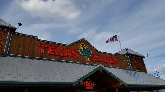 Texas Roadhouse: outside