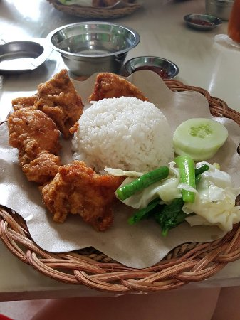 "Tarakan, Ινδονησία: Rumah Makan ""Purnama"""