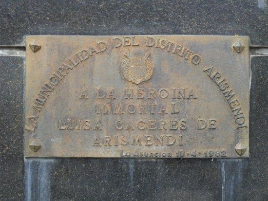 La Asunción, Venezuela: monumento a la HEROÍNA LUISA CACERES DE ARISMENDI