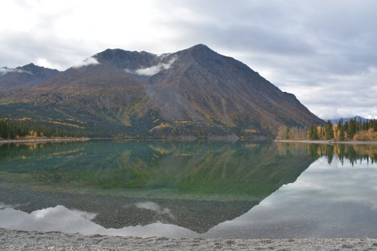 Mirror-like waters of Kathleen Lake on a cool Sep afternoon