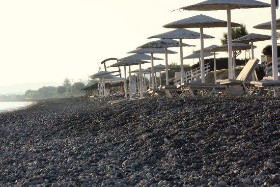 Grand Bay Beach Resort: galet attention au pied