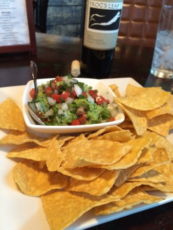 Billy Berk's: Fresh made guacamole