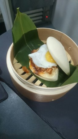 Jota Cinco : Sandwich Pan Bao