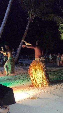 traditional fijian meke dance - Picture of Castaway Island Fiji
