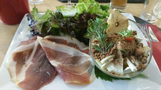 Sainte-Enimie, Francia: Salade repas