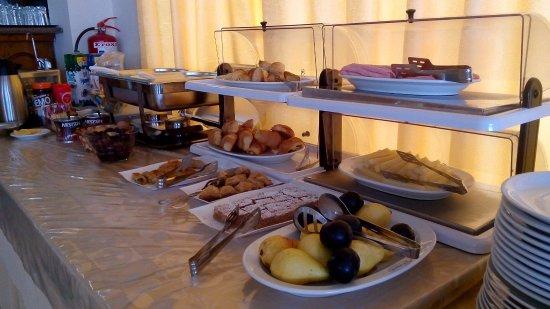 Hotel Petit Palais : Завтрак