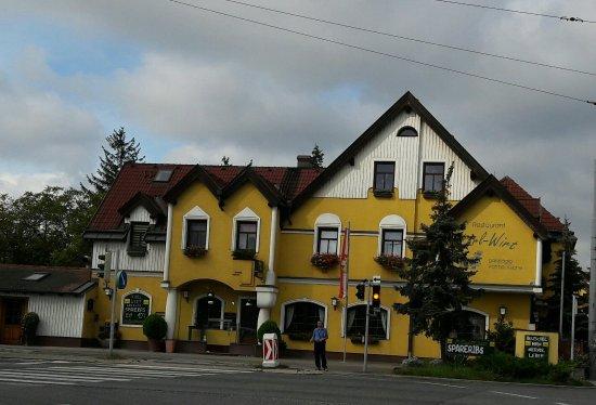 Perchtoldsdorf, Avusturya: 20160919_103445-1_large.jpg