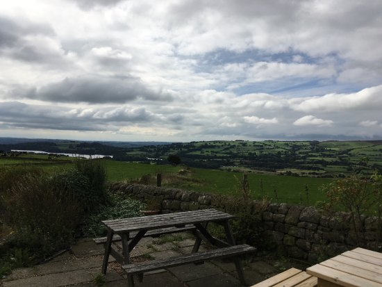 Upper Hulme, UK: Had a scrumptious lunch in nice and cozy tea room with gorgeous view.