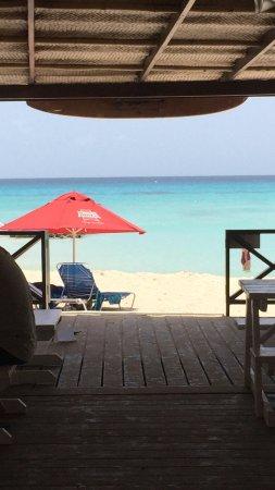 Worthing, Barbados: Bar to beach