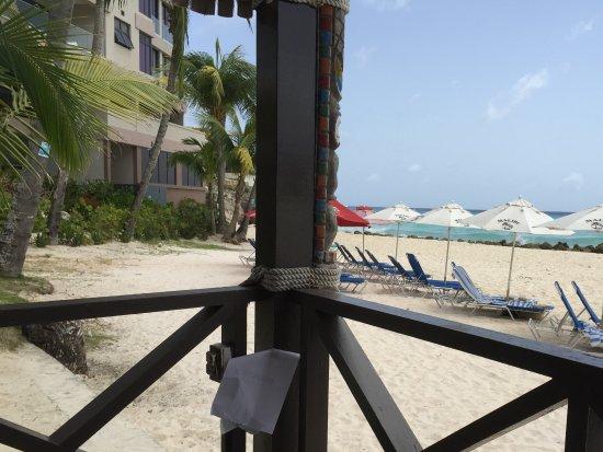 Worthing, Barbados: Corner edge of bar to beach view