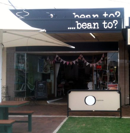 Beaudesert, Australia: Bean to? entrance