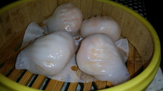 Campbelltown, Αυστραλία: A bit too thick har gow