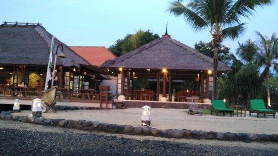 Banyuwedang, Indonesia: Sunset Beach Restaurant