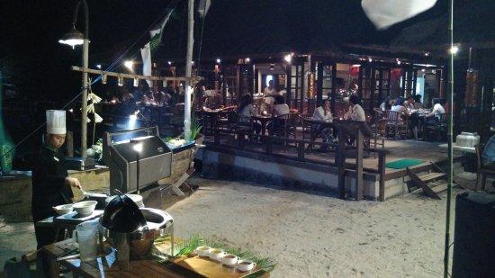 Banyuwedang, Indonesia: Live BBQ at Sunset Beach Restaurant