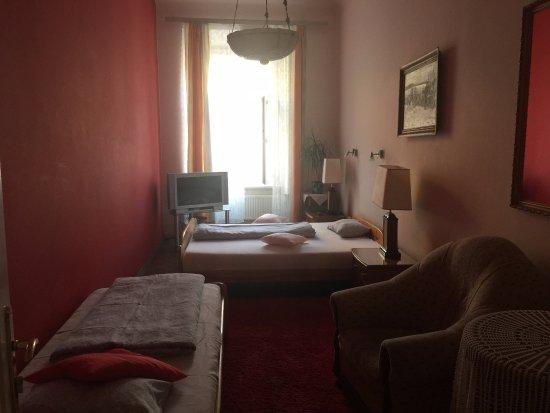 Pokoje Goscinne Wislna: view from bedroom 1 to lwindow