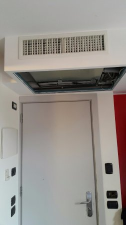 Hotel San Geremia: non working air conditioner