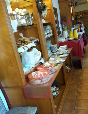 Faedo, Ιταλία: colazione a buffet