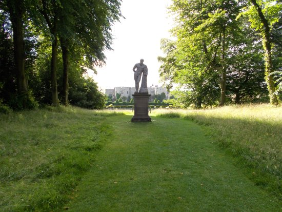 Chirk, UK: View to castle from statue