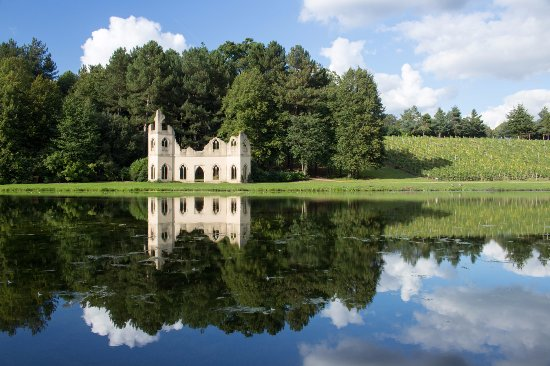 Cobham, UK: The Ruined Abbey, Painshill