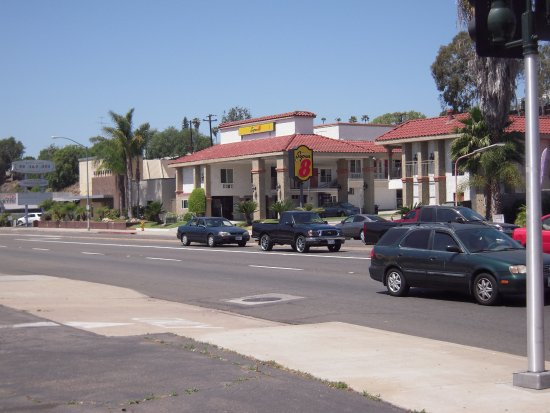 Motel 6 La Mesa CA Photo