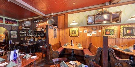 Ellenville, estado de Nueva York: Inside the dining room